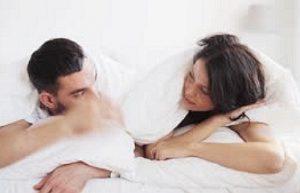 Schamlippenspreizer und Nippelsauger für intimate Moments