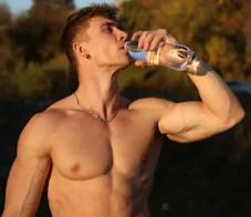 Foodspring bietet viele gesunde Produkte zum Abnehmen und für Sportler